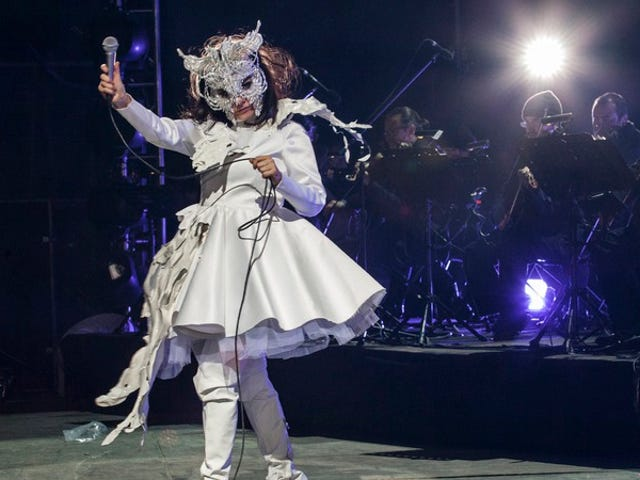 """<a href=""""https://news.avclub.com/bjork-wants-you-to-put-down-your-smartphone-and-go-outs-1798261604"""" data-id="""""""" onClick=""""window.ga('send', 'event', 'Permalink page click', 'Permalink page click - post header', 'standard');"""">Bjork wants you to put down your smartphone and go outside</a>"""