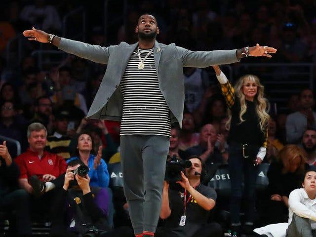 LeBron James bliver blokeret af hans forsøg på at mærke 'Taco tirsdag'
