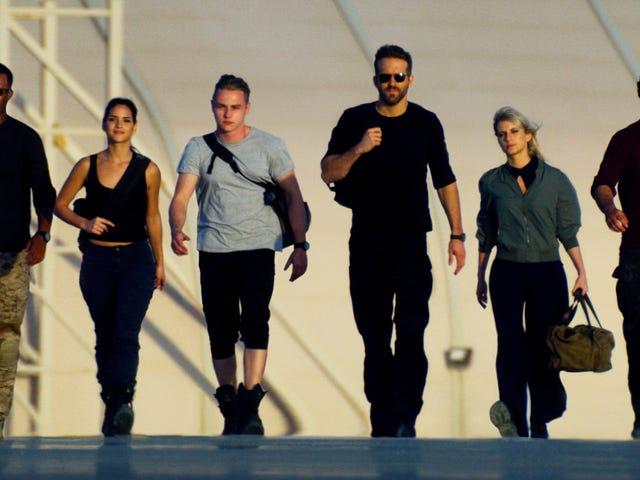 Michael Bay bringt sein Action-Chaos (und Ryan Reynolds) mit 6 Underground zu Netflix