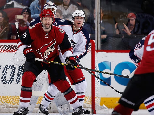 John Scott, joka on ollut kolme kertaa tänä vuonna, aloittaa NHL-tähti-pelin