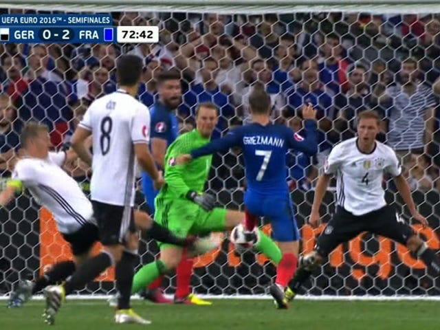 Kaksi hienoa flicks of Feet Ranskasta Ratkaiseva 2-0 Lead Over Germany