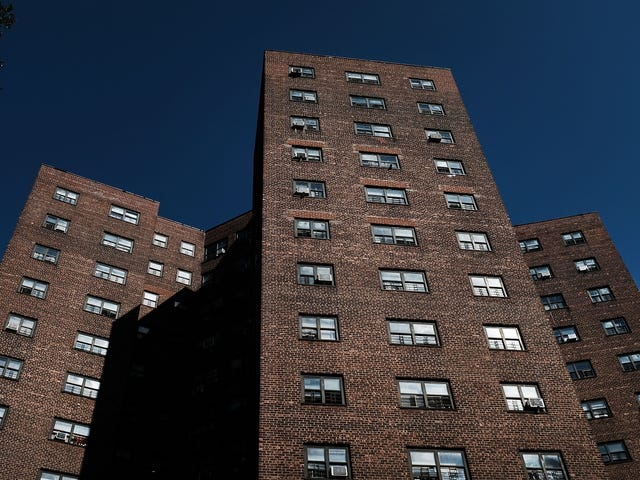 Derribando a los pijamas?  Nueva York considera construir residencia de ingresos mixtos en el sitio de viviendas públicas