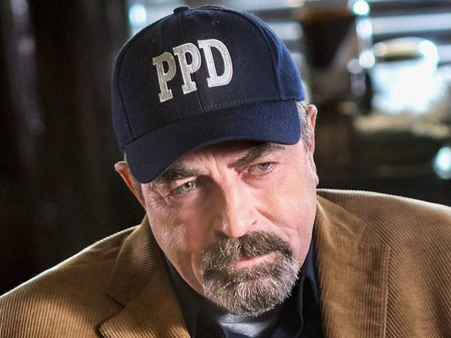 """<a href=https://tv.avclub.com/tom-selleck-on-jesse-stone-friends-and-fighting-for-m-1798285640&xid=17259,15700021,15700186,15700191,15700256,15700259 data-id="""""""" onclick=""""window.ga('send', 'event', 'Permalink page click', 'Permalink page click - post header', 'standard');"""">Tom Selleck、 <i>Jesse Stone</i> 、 <i>Friends</i> 、および<i>Magnum, P.I.</i>ために戦って</a>"""