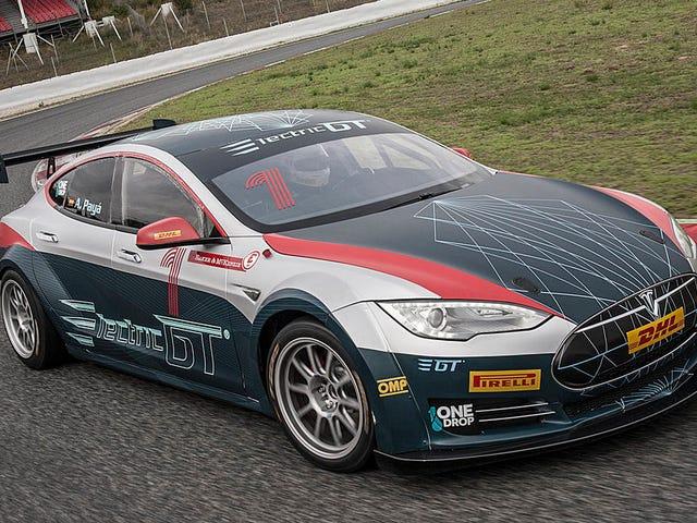 Tesla tendrá su propio campeonato de carreras und estilco de NASCAR en el que solo correrán sus coches