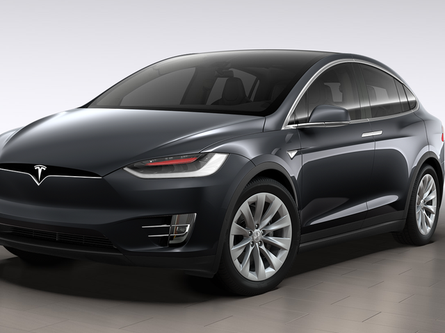 Cette Tesla Model X est un parking Bully