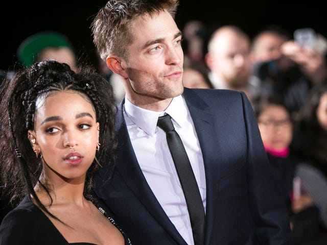 Robert Pattinson Has Reportedly Broken Up With Fiancée FKA Twigs