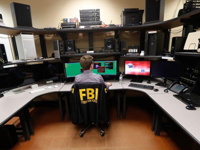 Έκθεση: Οι χάκερ κλέβουν, δημοσιεύουν στοιχεία για χιλιάδες ομοσπονδιακούς πράκτορες, αστυνομικούς σε όλη την Αμερική
