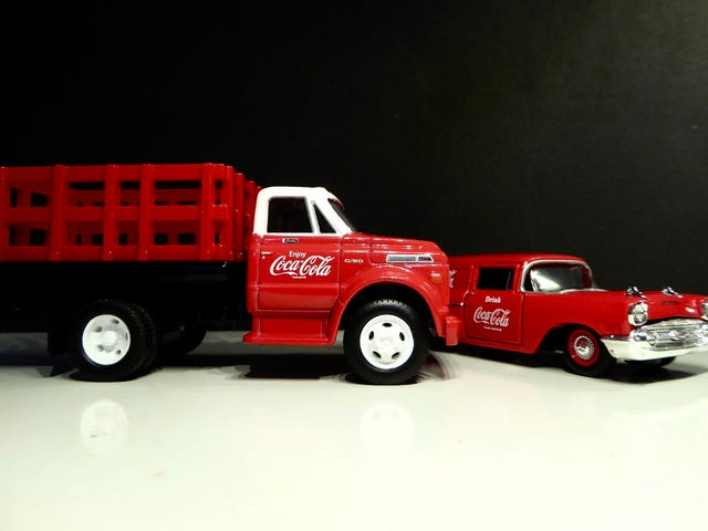 Hot Sixty 4th: Coca Cola Collection 3