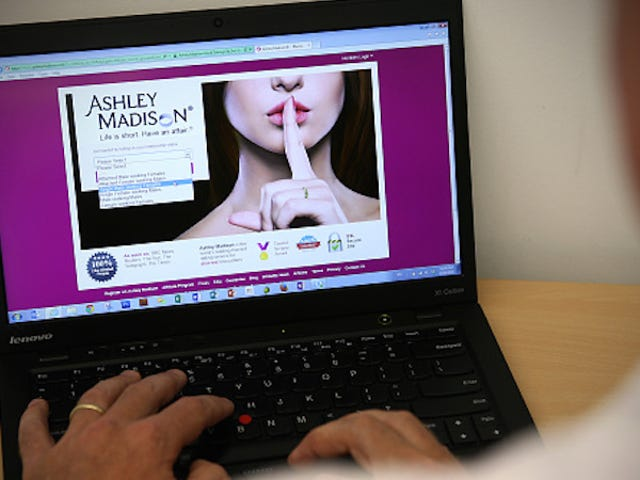 Cheaters Gonna Cheat: Ashley Madison Tuntutan untuk Telah Ditambah 4 Juta Ahli Post-Hack