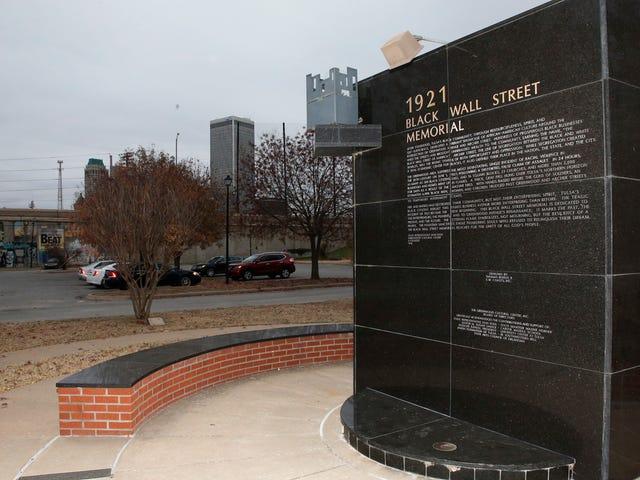 Tulsa Race Massacre fra 1921 bliver officielt en del af Oklahoma School Curriculum, der begynder i efteråret