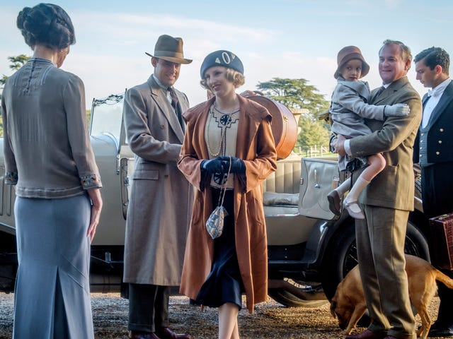 Downton Abbey -elokuva on yhtä miellyttävä kuin viihtyisä kuppi teetä