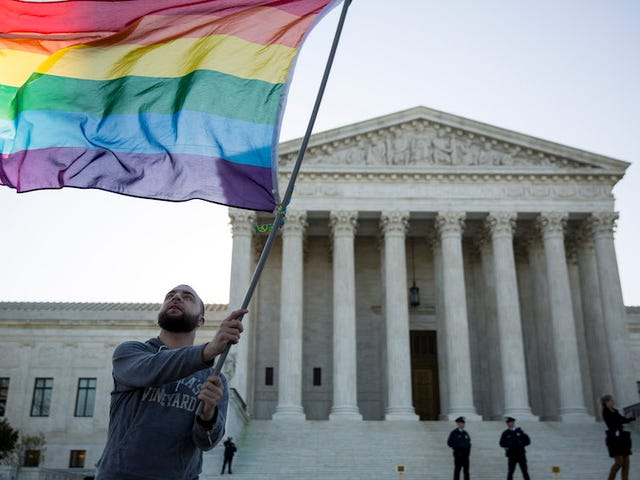 Chicago Court Rules That Civil Rights Act Protects LGBT Employees from Workplace Discrimination