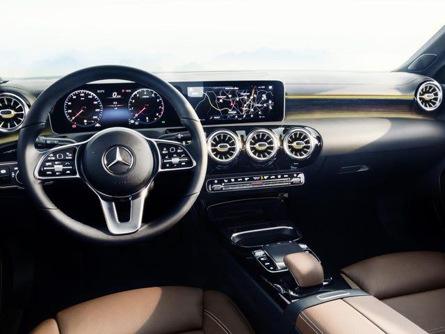 Эй, новый интерьер Mercedes A-Class на самом деле выглядит довольно сладким
