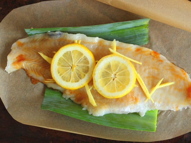 Use Leek Greens to Flavor Grilled or Steamed Seafood