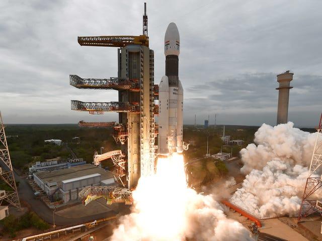 在成功发射Chandrayaan-2着陆器和漫游者之后,历史性的印度月球任务正在进行中