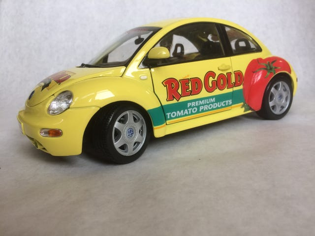 RED GOLD VW New Beatle 1:18