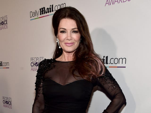 Lisa Vanderpump Will NOT be Destroyed by Puppygate!