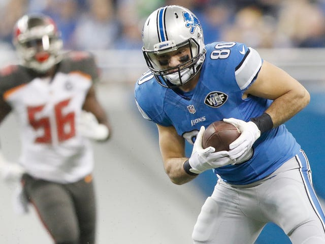 Joseph Fauria Admits He Didn't Hurt Himself Trying To Stop His Adorable, Tiny Dog From Peeing