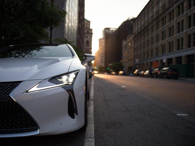 Hatırlatma: Lexus LC500 her gün var ve olağanüstü görünüyor