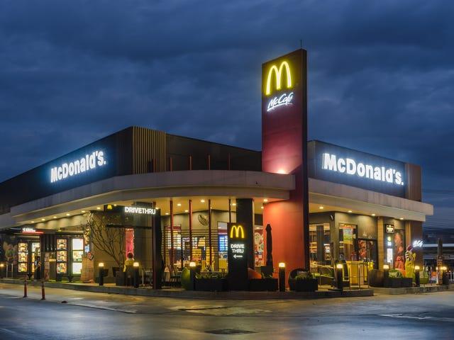 """McDonald's pour tester le petit-déjeuner toute la journée;  Le reste du monde dit """"Qu'est-ce qui t'a pris si longtemps?"""""""