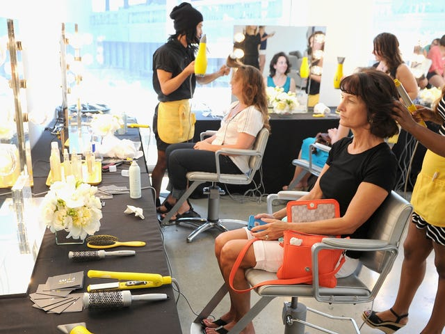 Beauty Salons Are Still Too Sacred for the Tech World to Take Over