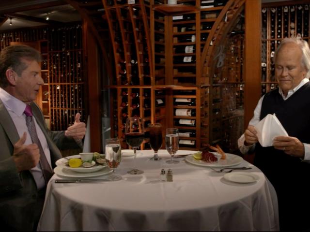 Pourquoi Charlie Ebersol lance-t-il un concurrent direct de XFL de son copain Vince McMahon?