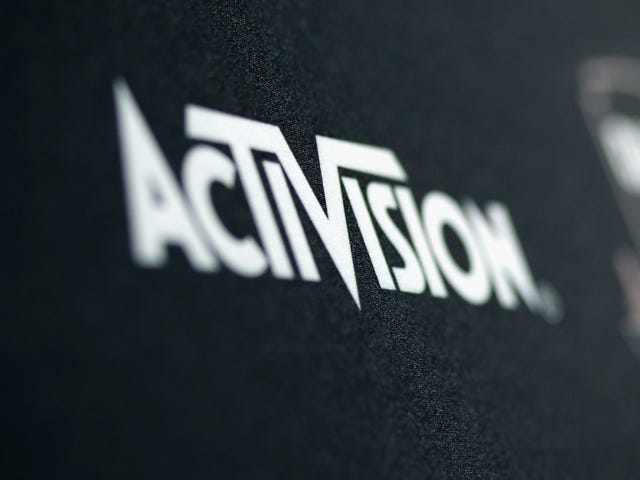 Activision Subpoenas Reddit to Uncover Mysterious 'Call of Duty' Leaker