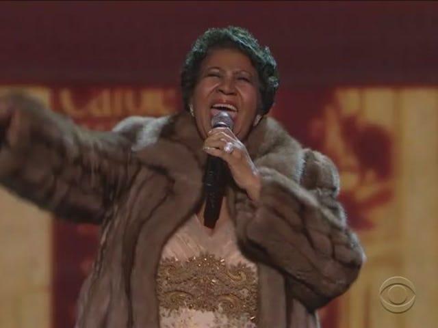 """Katso Aretha Franklinin """"Luonnollisen naisen"""" uskomatonta suorituskykyä Kennedyn keskustassa"""