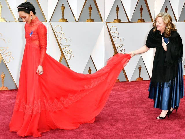 All the Best, Worst and Boringest Outfits On the Red Carpet Death Match That Is the Oscars
