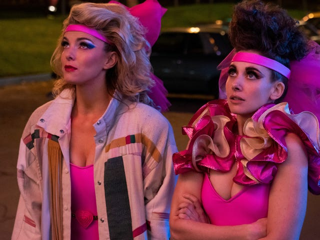 GLOW season 3 leaps into action, but struggles to keep up the momentum