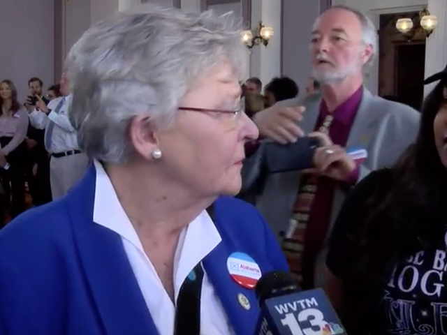 Nathaniel Woods' Sister Confronts Alabama Gov. Kay Ivey: 'You Killed My Brother'