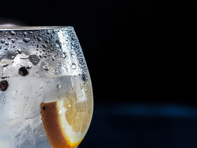 How to Make a Gin & Tonic That Doesn't Suck