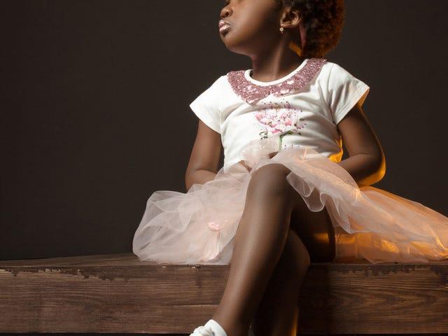 Minha filha está em uma aula de dança hip-hop.  Eu quero sua negritude para fazê-la melhor do que todos os outros.