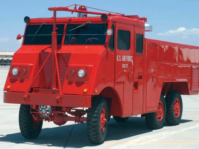 1958 O-6 Cardox fire crash truck