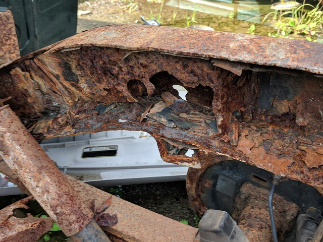 Look At This Totally Rusted-Out Toyota Tacoma