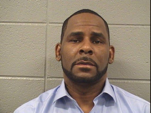 """Parece que está listo: R. Kelly anuncia un ingenioso plan para """"enderezar todo esto"""" después de ser liberado de la cárcel ... otra vez <em></em>"""