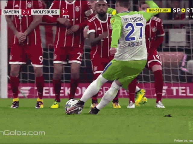 Der schreckliche Backup-Keeper von Bayern München zeigt, wie großartig Manuel Neuer ist