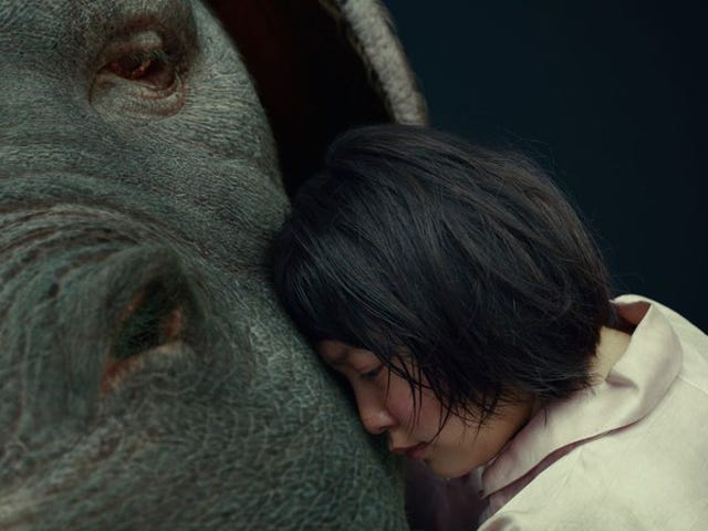 Okja is een rommelige, go-for-brak-satire van de regisseur van Snowpiercer
