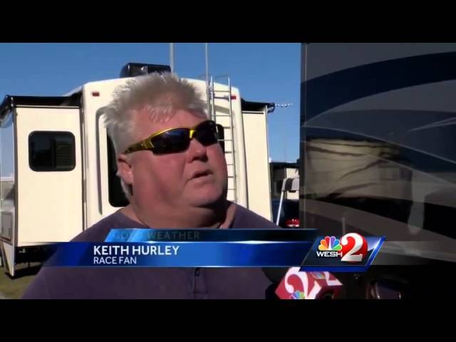 Paikallinen Daytona-uutisasema ajattelee, että se on todella kylmä ulkopuolella
