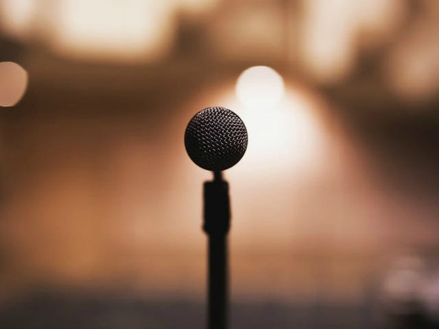 Petua Dari Podcast Hosts Untuk Membuat Anda Speaker Awam yang lebih baik
