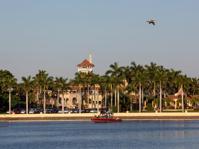 Woman Arrested at Mar-a-Lago with 1 Laptop, 2 Chinese Passports, 4 Phones, and a USB Drive Loaded with Malware