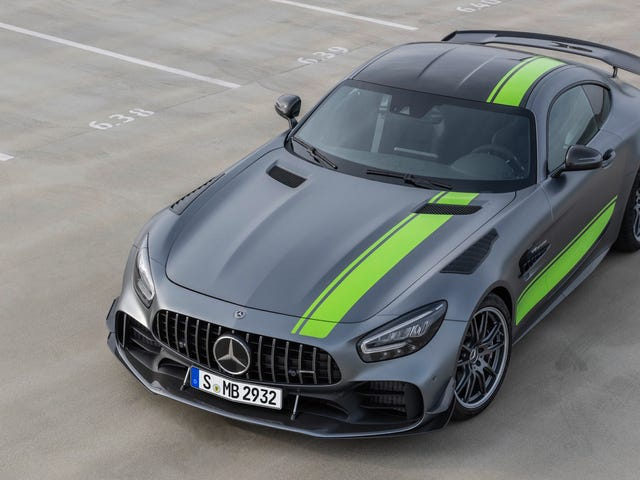 The 2020 Mercedes-AMG GT R Pro Is Most Hardcore Yet With Big Aero