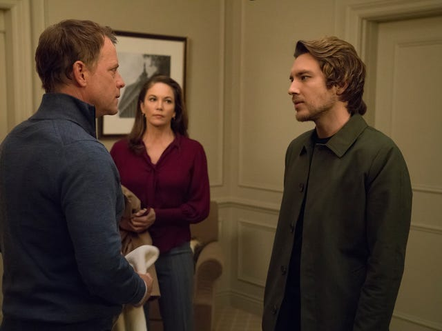 Claire makes her big move on a pivotal House Of Cards