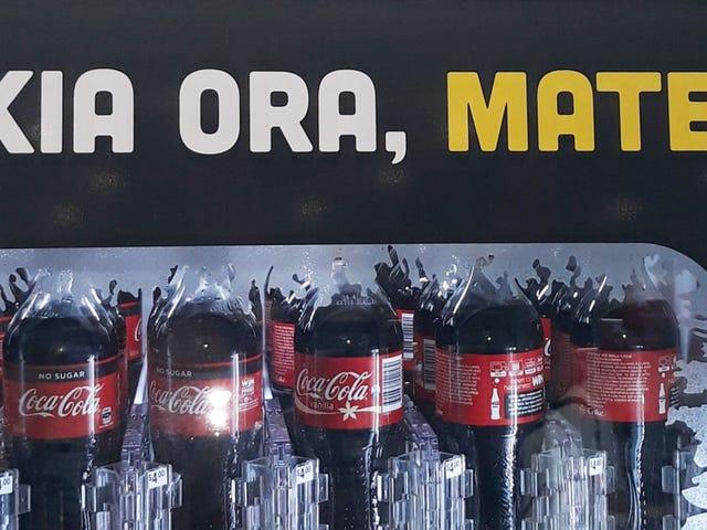 """""""Hola, muerte"""": Coca-Cola se hace un lío al mezclar maorí con inglés en las máquinas expendedoras de Nueva Zelanda"""