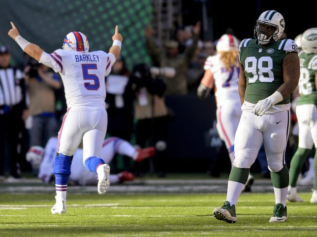 The Jets Defense Somehow Made Matt Barkley Look Competent