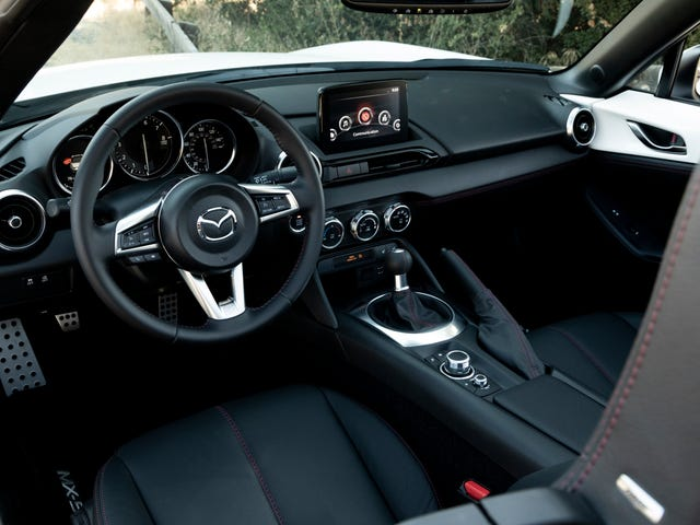 A Majority Of Mazda Miata Buyers Still Want A Manual Transmission