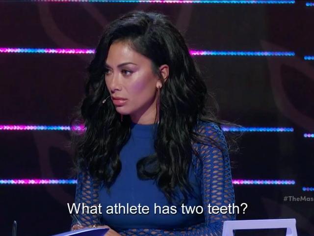 """Zamaskowany piosenkarz to show, które ośmiela się zadać pytanie: """"Jaki sportowiec ma dwa zęby?"""""""