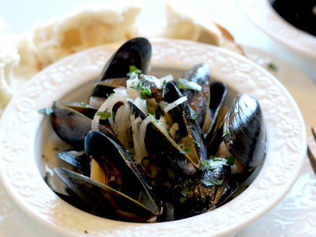 How to Make a Whole Mess of Fancy Mussels