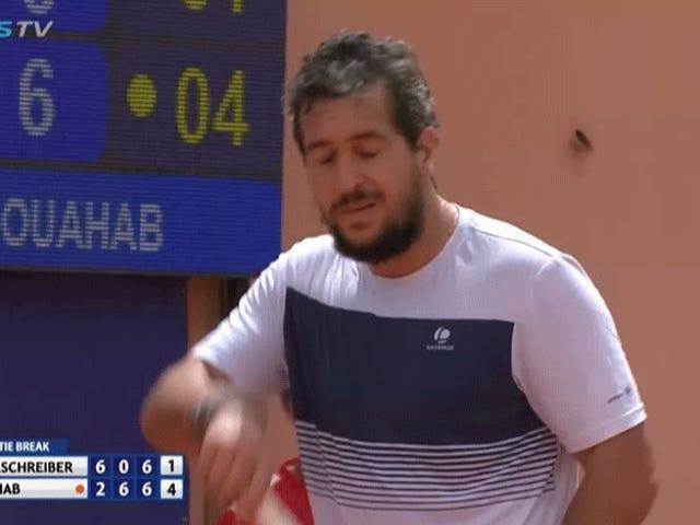 Part-Time Tennis Man Mengalahkan World No. 34 Dalam Kemenangan Orang Biasa