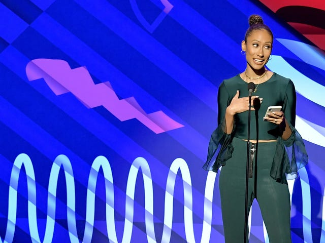 In More Than Enough, Elaine Welteroth Discusses the Double-Edged Sword of #SucceedingWhileBlack